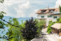 Gschnoner Kirchtig Berggasthof Dorfner Gourmet Südtirol