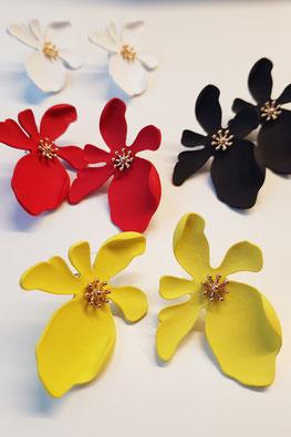 Pendientes en forma de flor de colores