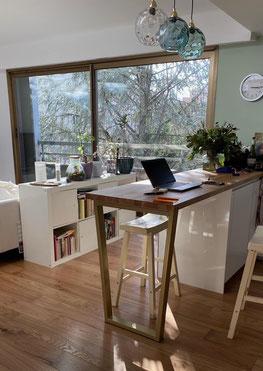 Pied de table haute coloris laiton pour cuisine