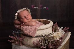 wunderschöne Wraps,Tücher aus verschiedenen Stoffen, bestens geeigent für die Newborn-Babyfotografie zum Pucken, Einwickeln, Drüberlegen, oder als Hintergrund u.v.m. Neugeborenen Baby Neugeborenenfotografie Neugeborenes Wrappen Wrapping