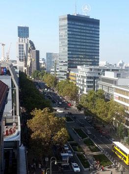 Blick vom KaDeWe auf die Tauentzienstraße