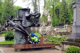 Grab des ukrainischen Komponisten Stanislaw Ljudkewytsch (1879-1979)