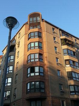 Edelplatten-Bau Ecke Voßstraße/Gertrud-Kolmar-Str.