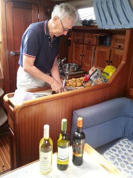 Vorbereitungen zum Mittagessen: Lachs in Lachssoße
