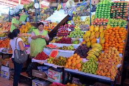 Reiche Auswahl an Obst ...