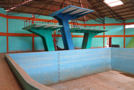 Tarapaya, Schwimmbad ohne Wasser