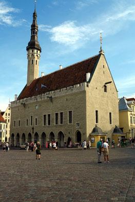 Gotisches Rathaus des 14. Jh. am Marktplatz