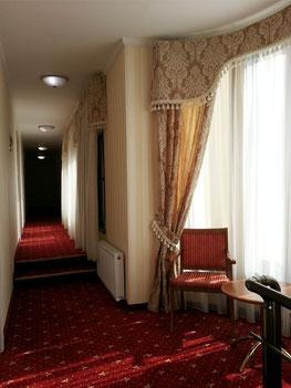 Gang zu den Hotelzimmern