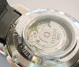 時計の内部が見ることができる、素敵な裏蓋シースルーの腕時計もオーバーホール修理させていただきました。