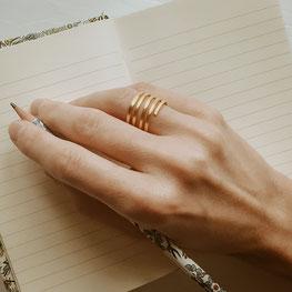 Ring EMBRACE von Magdalena Track - Atelier STOSSIMHIMMEL