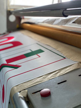 Textilien Kalandern nach digitalem Textildruck - Feld Textil GmbH in Krefeld