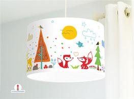 Lampenschirm fürs Kinderzimmer mit Waldtieren in Weiß aus Baumwolle