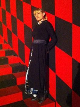 Designerin Modeschöpferin eines außergewöhnlichen Bademantels Catrin Soreia Ohlsen