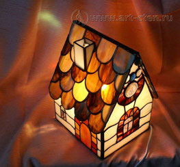 Витражный светильник домик
