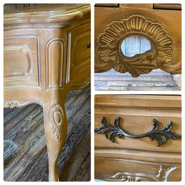 Close Up Century Furniture Entry Table