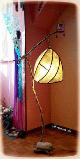 Lámpara madera de mar, vymcreaciones.com, vymcreaciones,driftwood lamp, eco desing, madera a la deriva, maderas flotantes, lámpara de pie, etsy seller, decoración con palos