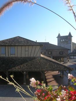 Halle et église de Villeréal