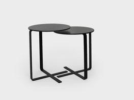 X-Table mit robuster HPL Platte und pulverlackiertem Metallfuss. Grösse 50cm und 55cm in schwarz
