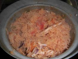 混ぜ合わせた炊き込みご飯の写真