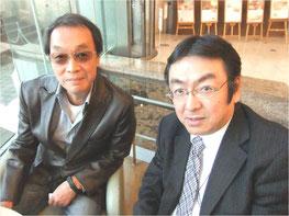 原田維夫さん(左)とわたし。2013年3月、東京ドームホテルにて。
