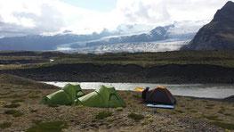 Camping zwischen Gletschern