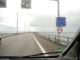 Dänische Grenze auf der Storebælt-Brücke