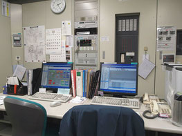病院設備の監視卓