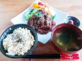 嘉利のヴィーガン食(ベジやきにく定食)