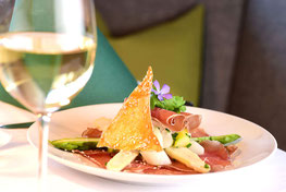 Spargelwochen Restaurant Apollonia Sirmian Nals Ristorante Sirmiano Nalles Settimane degli asparagi Gourmet Südtirol