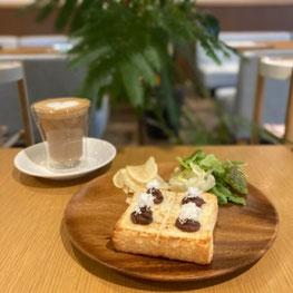 Bセット 小倉トースト&サラダ
