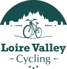 Loire-Valley-cycling-bike-rental-ride-vineyard-wine-tasting-wine-tour-Amboise-Chenonceaux