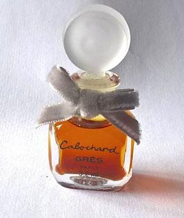 CABOCHARD - PARFUM 3,2 ML : PARFUM - MINIATURE MUNIE D'UN RUBAN EN VELOURS GRIS, BOUCHON EN VERRE