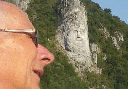 12. August 2015 - Gesichter (Im Hintergrund der letzte  Daker-Fürst Decebal)