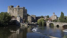 Chateau de Clisson au bord de la sèvre Nantaise