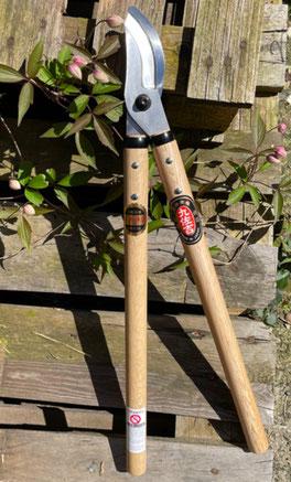 Japanische Gartenscheren, japanische Buchsscheren und japanische Astscheren bei www.the-golden-rabbit.de