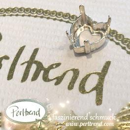 www.perltrend.com Luzern Schweiz Onlineshop Schmuck Jewellery Jewelry Design Style Schmuckdesign Fassung Herz  Swarovski Crystals versilbert