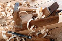 Tischler Tischlerarbeiten Zuschnitt Wartung Holz Witterungsschutz Reparaturen