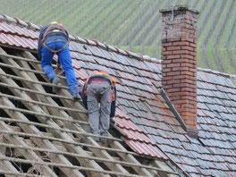 PSA gegen Absturz, Dachdecker Arbeiten Baustelle