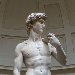 ミケランジェロのダビデ像(wikipediaより)