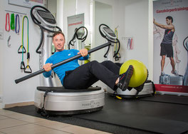 Mit der PowerPlate in Topform-hier bei Skypers Sports