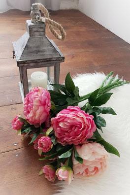 romantische Dekoration im Fotostudio