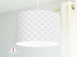 Lampe fürs Wohnzimmer und als Stehlampe mit skandinavischem Muster in Hellgrau aus Baumwolle
