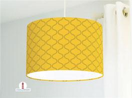 Lampe fürs Wohnzimmer und Stehlampe mit Muster in Senfgelb aus Baumwolle