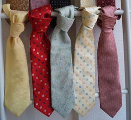 cravates en terre de tisseurs