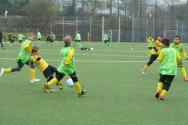E2-Jugend im Spiel gegen die E3 des FC Karnap.