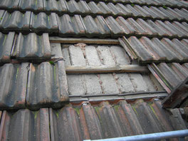 Dachziegel entfernen