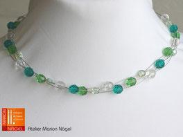 Kette mit grünen und türkisen Perlen