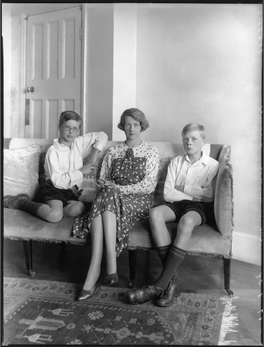 1936: Francis with Mama and brother Anthony