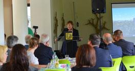 Staatsministerin für Kultus: Brunhild Kurth