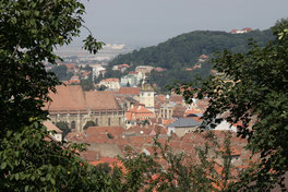 Blick von der Zinne über die Altstadt zum Schlossberg